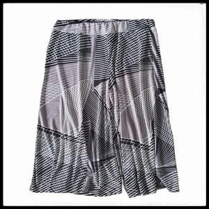 ⭐SALE⭐ Michel Studio Geometric Pattern Culottes